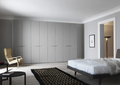 Contemporary wardrobe / in wood / glossy lacquered wood / with hinged door